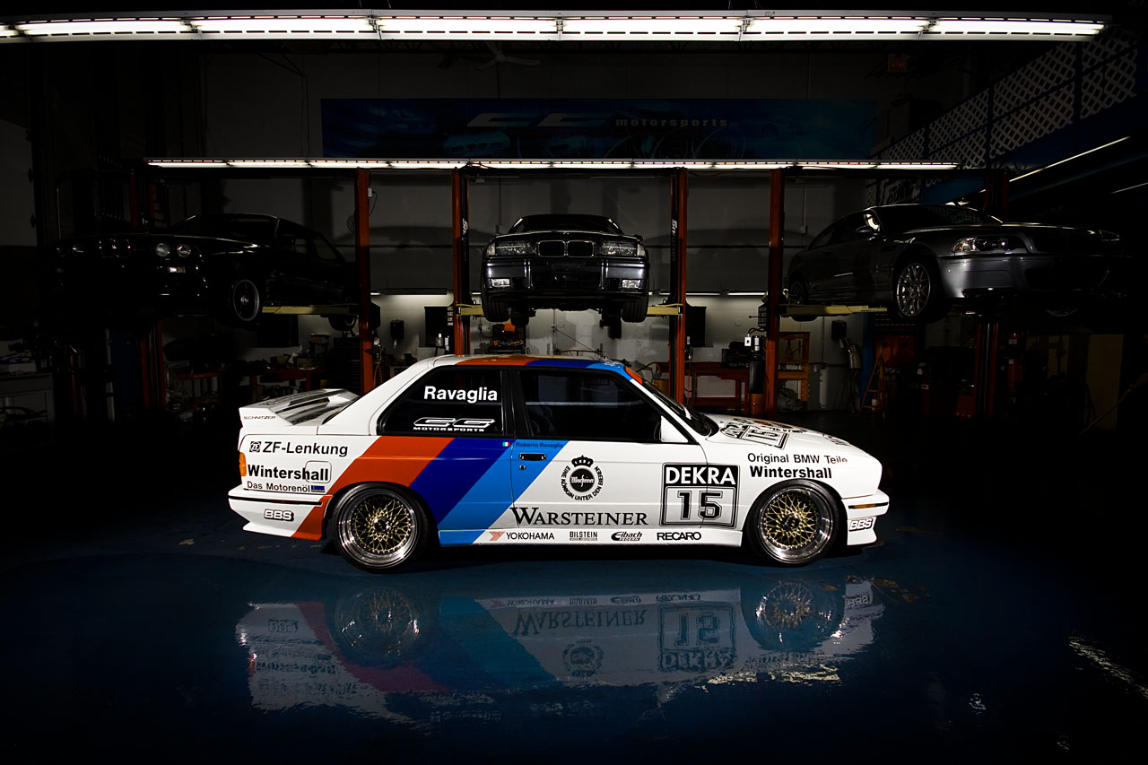Cool, interesting, some wall paper pictures of BMW 3 series e30's