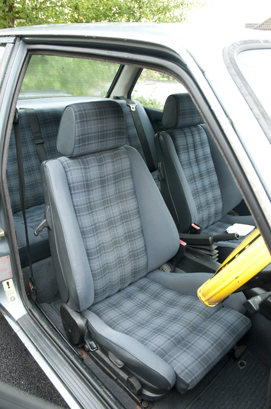 E30 Seat upholstery interior codes, designs, and options by year ...