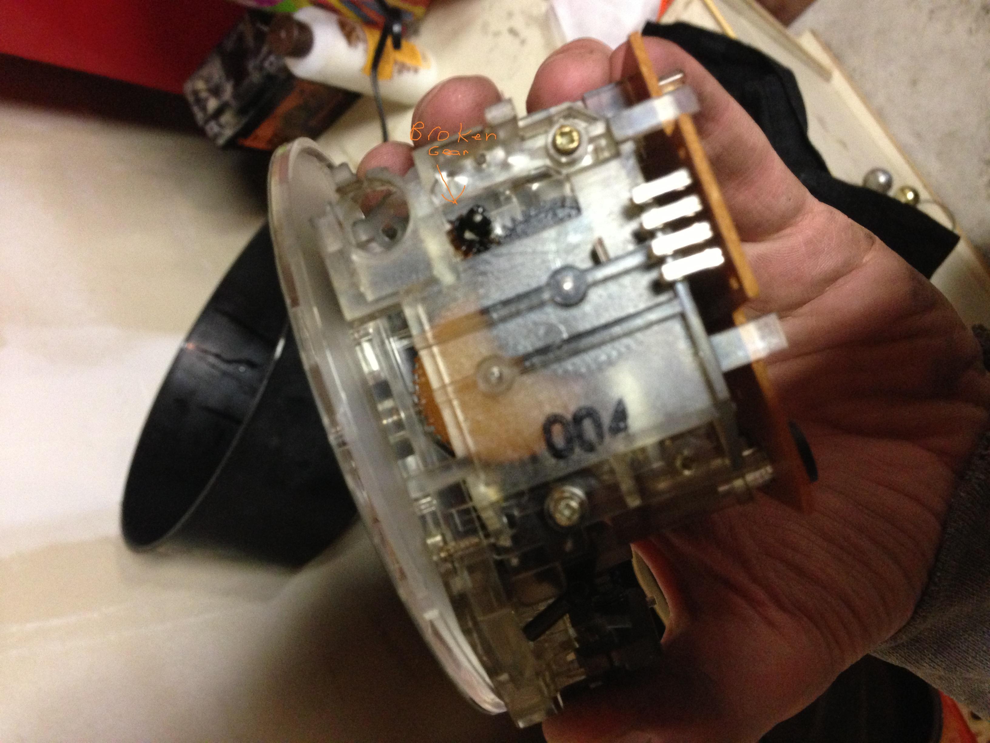 e30 broken odometer gear