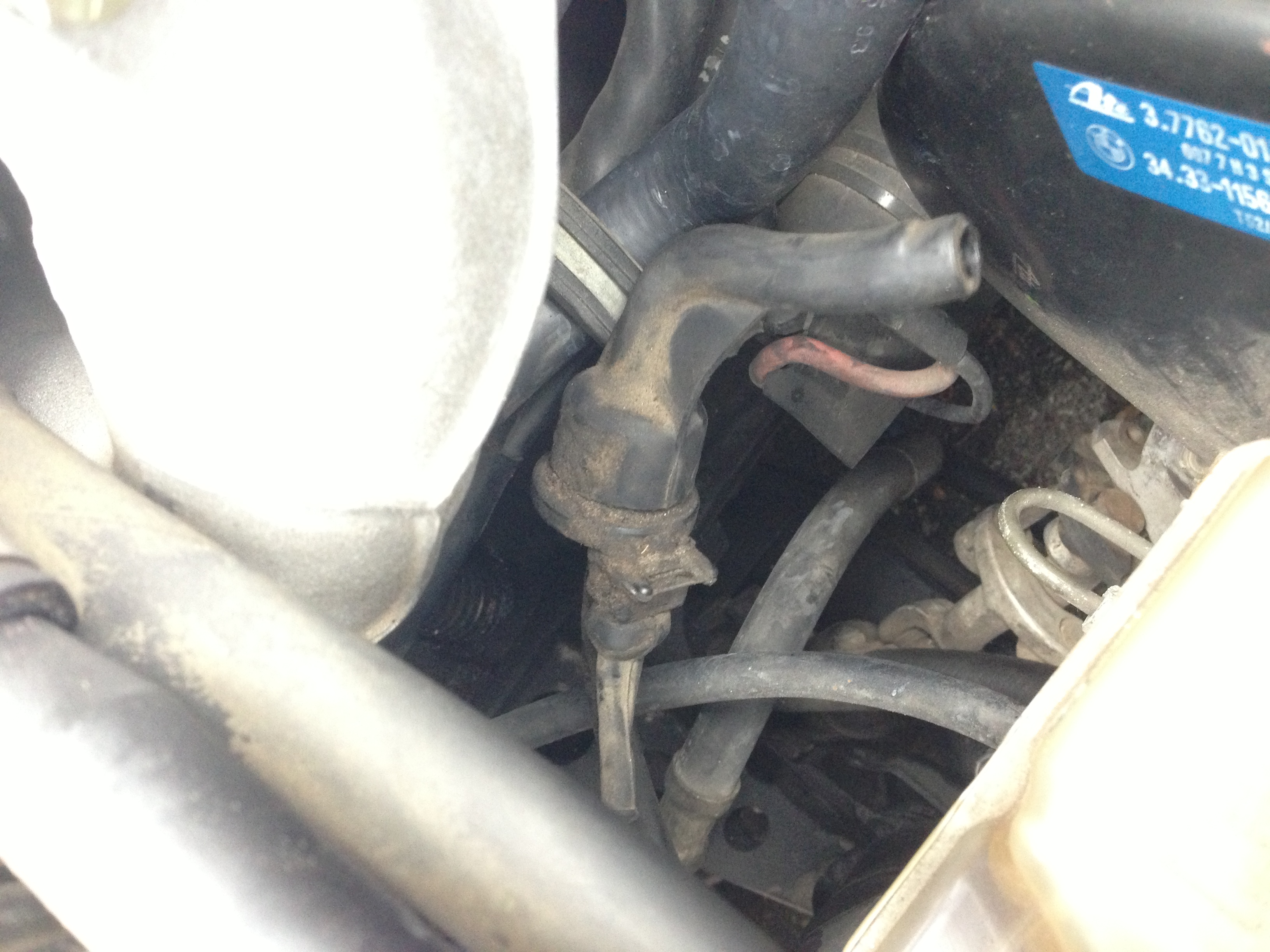 E30 Vacuum leak – 'advanced' location under the throttle body